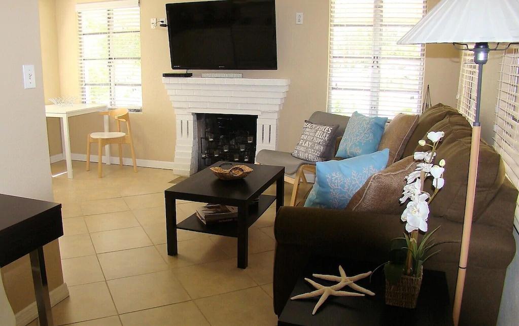 Tiny Florida cottage rental